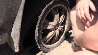 Что будет если ездить на зимней резине. Взорвалось колесо на скорости Toyota Land cruiser 200.